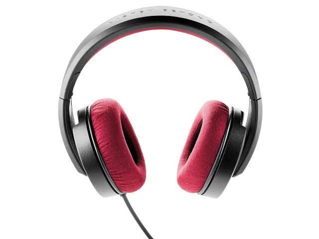 ''Closed Back Headphones